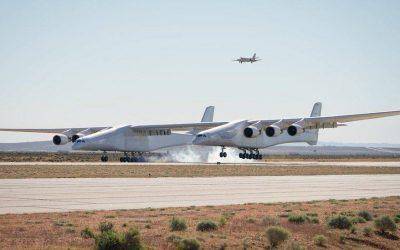 მსოფლიოში უდიდესმა თვითმფრინავმა პირველი ფრენა შეასრულა (ვიდეო,ფოტო)